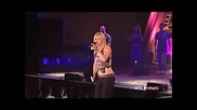 Kelly Clarkson - I Hate Myself For Losing You (live) (превод)