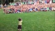 Това хлапе е обучено да се превърне в диктатор