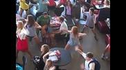 Tanzen im Schnellrestaurant - Videos auf eblogx.com