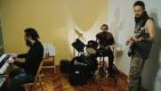От буквара до китарата - училищна рок банда продължава музикалната традиция в Сливен