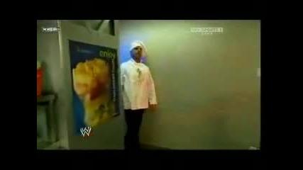 Shawn Michaels kicks his Boss and a little girl(шон Майкълс прави Музика Под Брадичката на Шефа си)