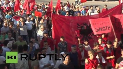 Macedonia: 3000 Albanians call for Macedonian coalition's resignation at Skopje march