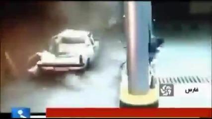Пикап се взривява след препълване с гориво