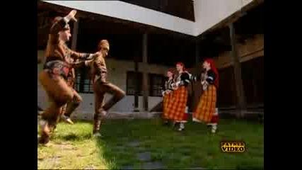 Виевска Фолк Група - Дващим, Трищим