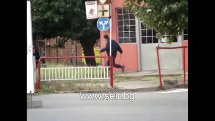 Полицай гони плъх