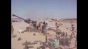 Артилеристи показват бърза стрелба с гаубица
