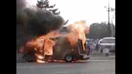 one family burn dead alive in a van