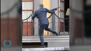 Daniel Craig Back on Bond Set