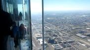Стъклен Балкон На 420 Метра От Земята