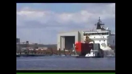 Ето така се вкарват кораби във водата!