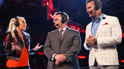 Go behind the scenes as Renee Young becomes the first woman to call Raw: WWE.com Exclusive, Aug. 17, 2018