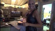 Златка прави изненада за рождения ден на приятеля си Миро