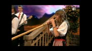 Melanie Oesch yodels, Lisa Stoll plays the Alpine Horn, great medley of songs