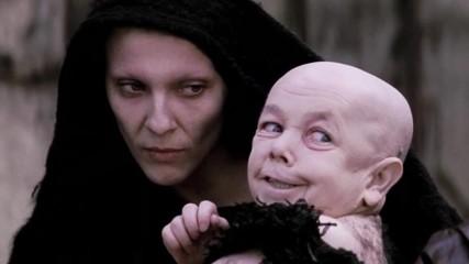 """Анализ на сцена от филма """" Страдания Христови"""" - дете и майка... Кои са те?!?"""