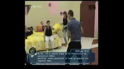Big Brother 4 - Даниела И Мартин Правят Секс