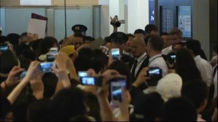Истерия в Япония – Неймар пристигна в страната