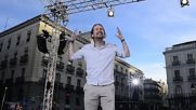 Spain: 'History is changing' - Thousands of Podemos supporters back Rajoy no-confidence motion