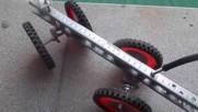 Четириколката - куад от велосипедни части се управлява лесно дори и с наклон на тялото