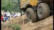Камион ме Блъсна Трактора ме Гази Багер ме Товари - Тодор Колев