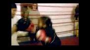5 Годишно Момче Боксьор (невероятно)