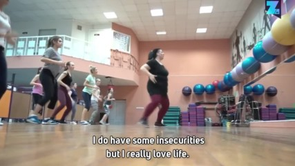 Наднормени рускини показват завидни танцови умения
