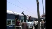 Човекът - бушон - инцидент в Индия