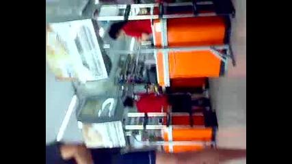 Пешо ( 4i4kata ) Отива на пазар с Буркан Стотинки част 3