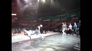 Justin Bieber и танцьорите му