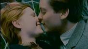 Епичната двойка герои Питър Паркър и Мери Джейн Уотсън от Спайдър - Мен Трилогия (2002-2004-2007)