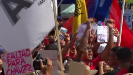 Venezuela: Thousands flood streets of Caracas in support of Maduro