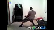 Негри играят кючек ! (100% Смях)