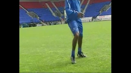 Jay Jay Okocha - Air Elastic