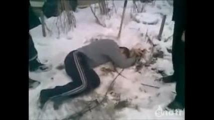 Пиян руснак пада от 5-ия етаж! Смях!