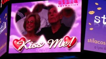 Джъстин и Селена се целуват :))