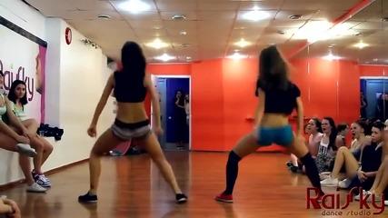 Красиви момичета + Танц