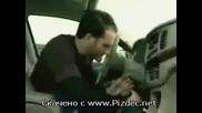 Авто Крадец Попада На Маймуна В Реклама