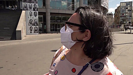 France: Opera Bastille pays tribute to health workers with mural of portraits