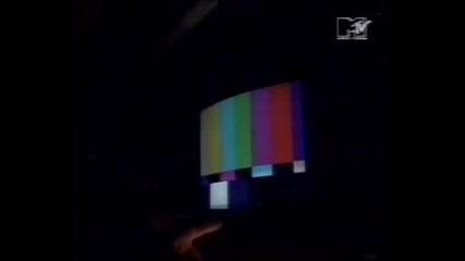 Guns N Roses - Paris 1992 MTV Report