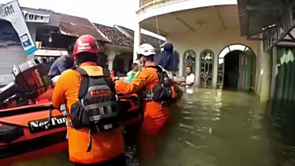 Indonesia: Thousands displaced in South Kalimantan floods