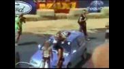 Мацка мие кола и пада.смешно