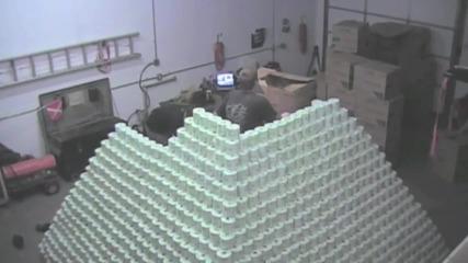 Най голямата пирамида от ролки тоалетна хартия