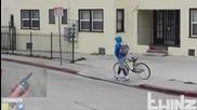 Бъзици с крадци на колелета - Bait Bike in the Hood 2016