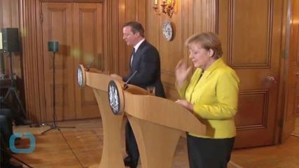 Merkel Says EU May Need to Consider Treaty Change to Keep UK