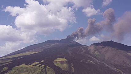 Italy: Ash and dark smoke spew as Mount Etna erupts