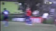 Не е за вярване Ronaldinho не уцели топката..