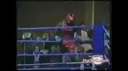 Смях ^ Много глупав боксьор - незнае как да мине през въжетата