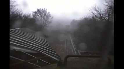 Влак срещу Торнадо