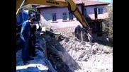 георги изрива каща