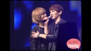 110220 [fancam] Key grabs Minhos chin & Taemin & Minho stare at Key @ Santafe Special Event