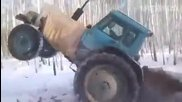 Луди Руснаци - Трактор с вериги, изтегля заседнало ремарке